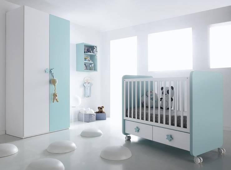 Kinderzimmer von MUEBLES ORTS