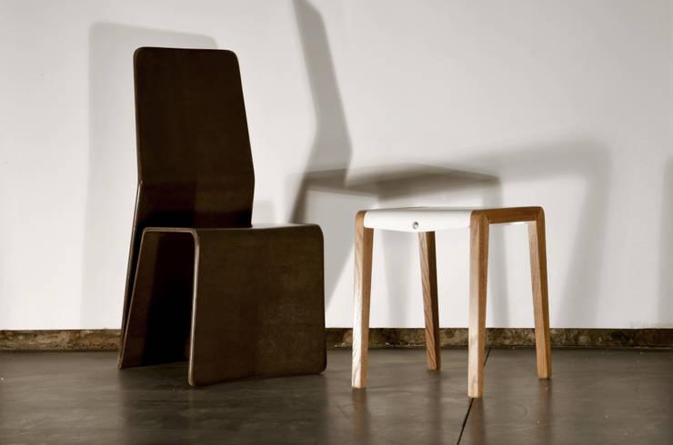 Chaise Katra - Fibres de Lin: Salon de style de style eclectique par Studio Katra