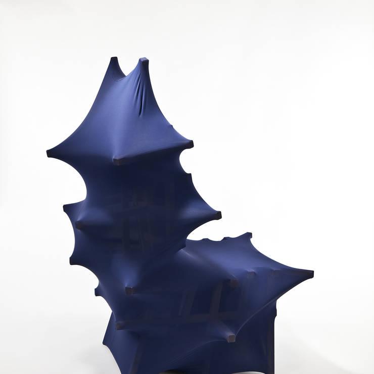 Protrude Chair: Parkbomi의  아트워크