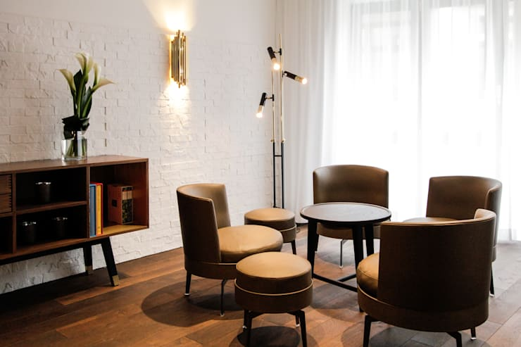 Salas / recibidores de estilo moderno por Dyer-Smith Frey