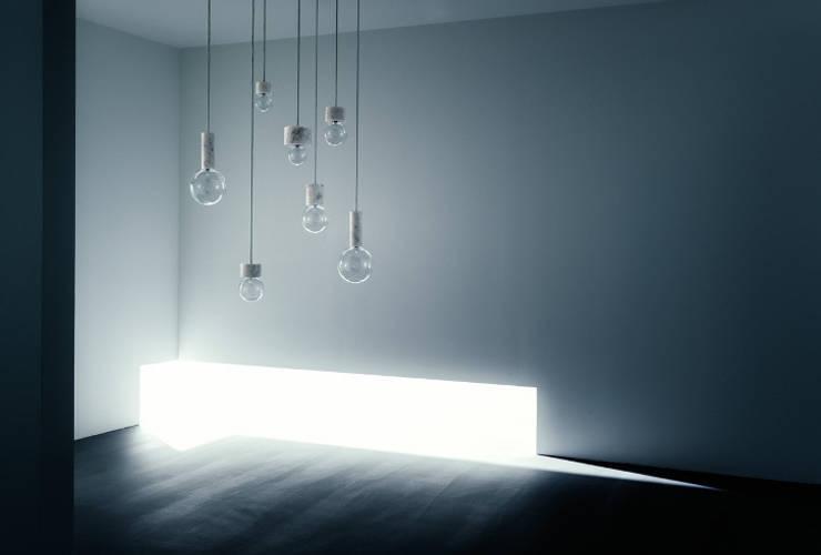 Marble Light - &Tradition : Maison de style  par Astéri