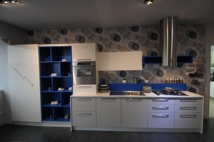 Cucine moderne: Cucina in stile  di raimondi