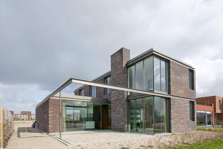 huis IHKB2:  Huizen door MIR architecten