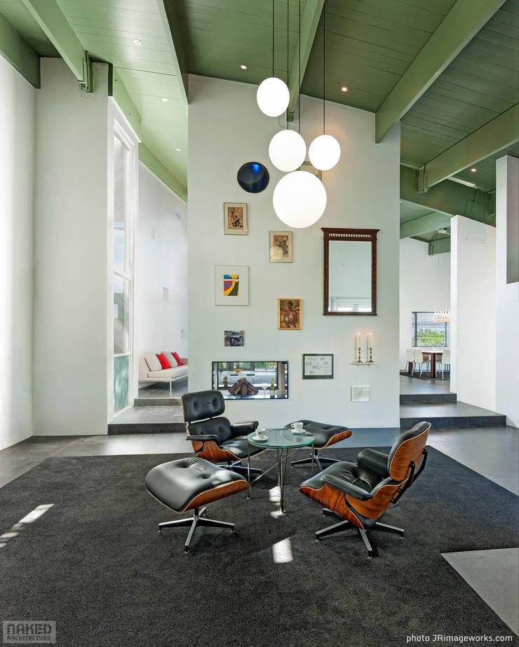 Nieuwe woning/bed & breakfast:   door Naked Architecture