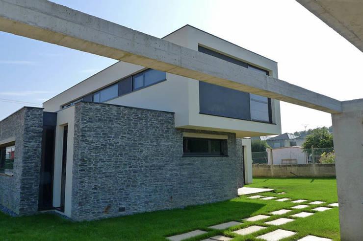 Vivienda en Pravio: Casas unifamilares de estilo  de AD+ arquitectura