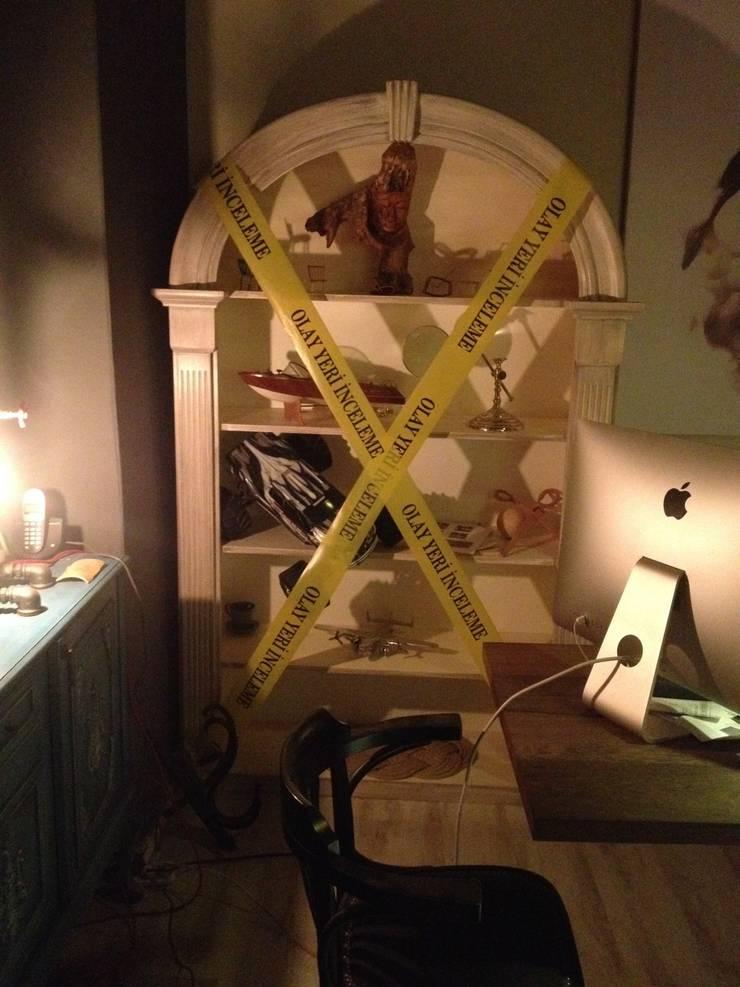 Murat Topuz Atelier – kitaplık:  tarz Çalışma Odası
