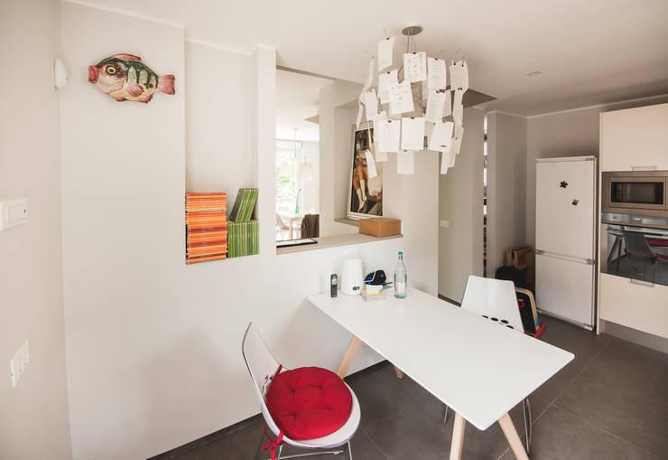 38 ideas para dividir tu comedor sala y cocina for Dividir cocina comedor