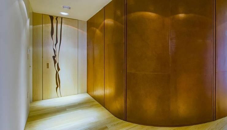 South Bank, London:   by Mackenzie Wheeler Architects + Designers