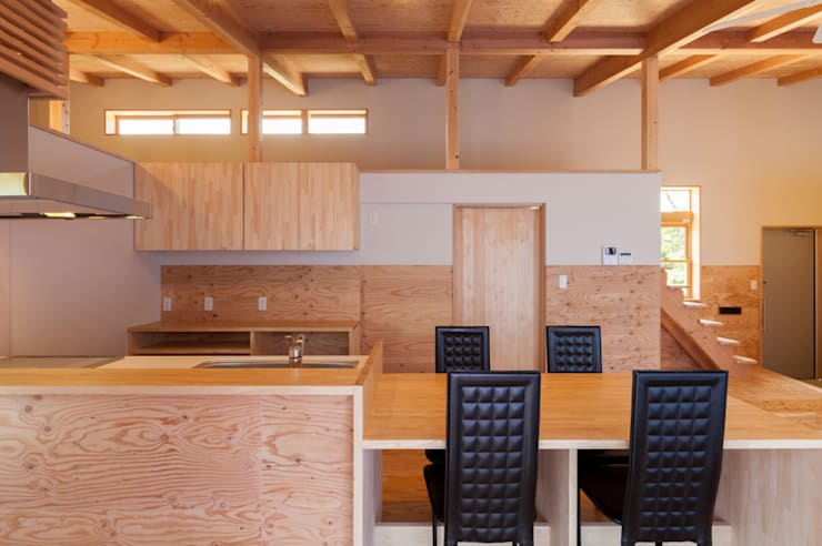 Kitchen by 株式会社 哲・Braveデザイン工房, Modern