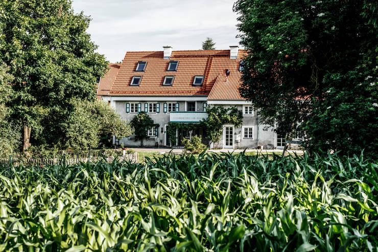 Bauernhaus Moorenweis:  Häuser von BUERO PHILIPP MOELLER