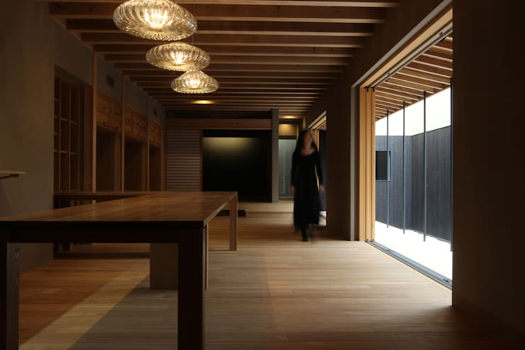 Living: 一級建築士事務所 Kenso Architectsが手掛けたリビングです。