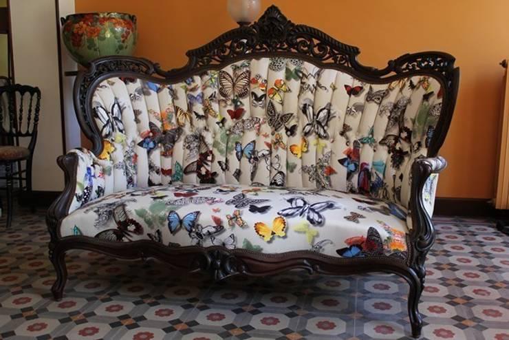 canapé de style: Art de style  par SARL MHT - Hourquet et fils