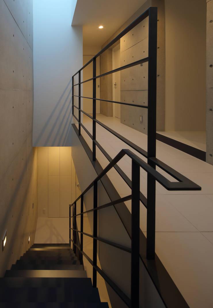 3階 階段室: 川島建築事務所が手掛けたです。