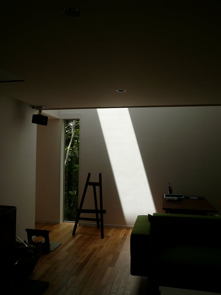 KOKE SANKYO  (Villa of Moss): Naoko Hirakura Architect & Associatesが手掛けたです。