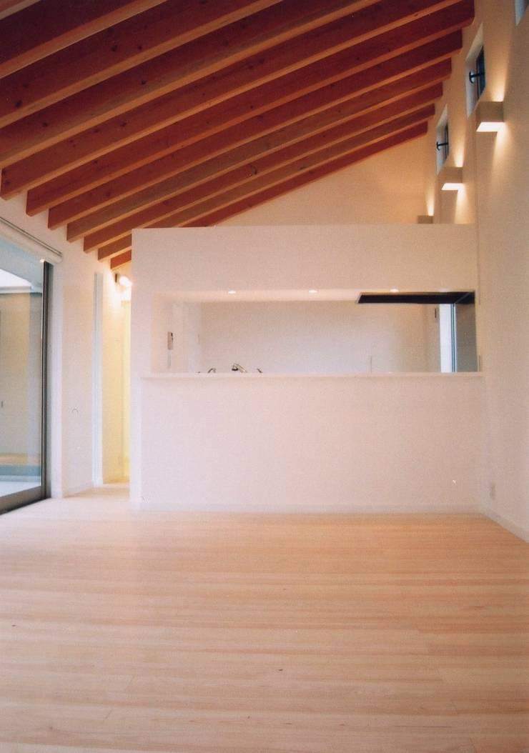 白い箱の家(White Box): 小野明一級建築士事務所 株式会社小野コーポレーションが手掛けたです。,