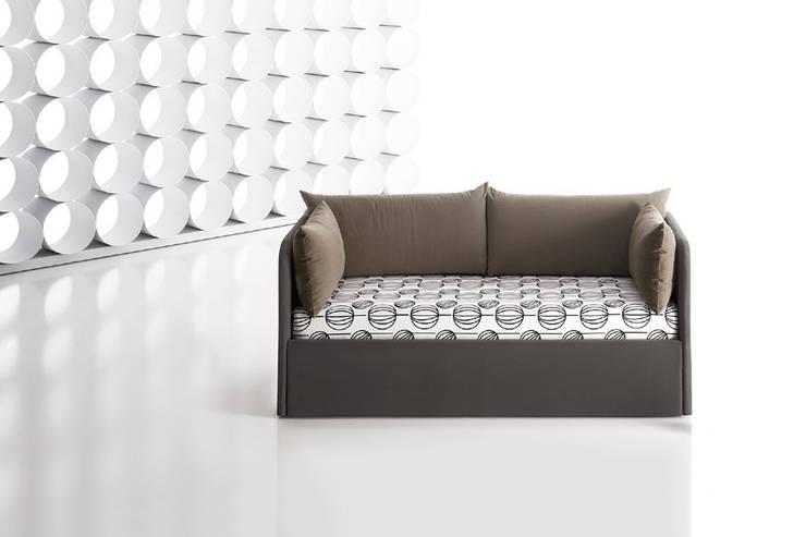 Mizar: Camera da letto in stile in stile Moderno di Ennerev