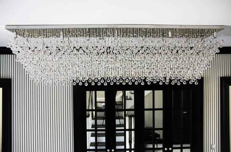 Aykuthall Architectural Interiors – AYDINLATMA:  tarz İç Dekorasyon