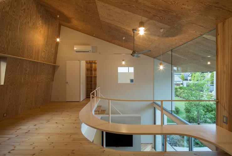 被衣の家 Shawl House: y+M design officeが手掛けた家です。,オリジナル