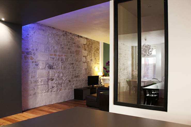 Appartement BRNT: Salon de style  par BIENSÜR Architecture