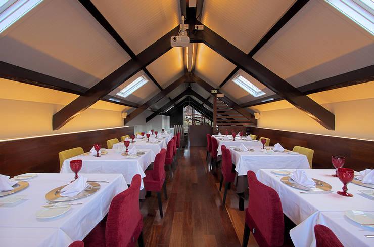Restaurante Salpoente: Espaços de restauração  por GAAPE - ARQUITECTURA, PLANEAMENTO E ENGENHARIA, LDA