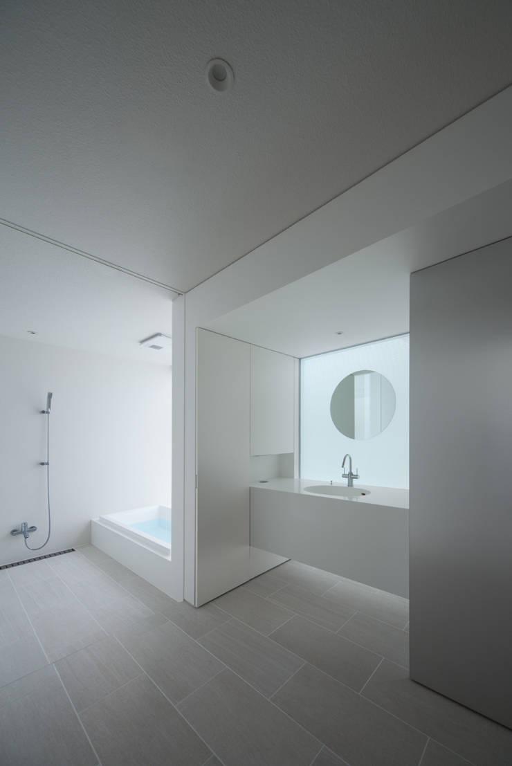 obi house: ソルト建築設計事務所が手掛けた浴室です。,