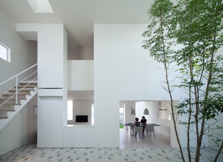 obi house: ソルト建築設計事務所が手掛けたリビングです。,