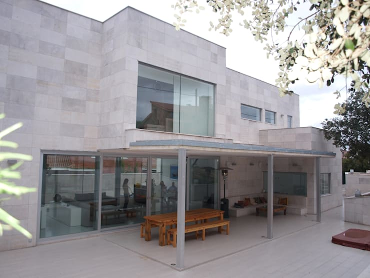 Houses by ABR ARQUITECTOS