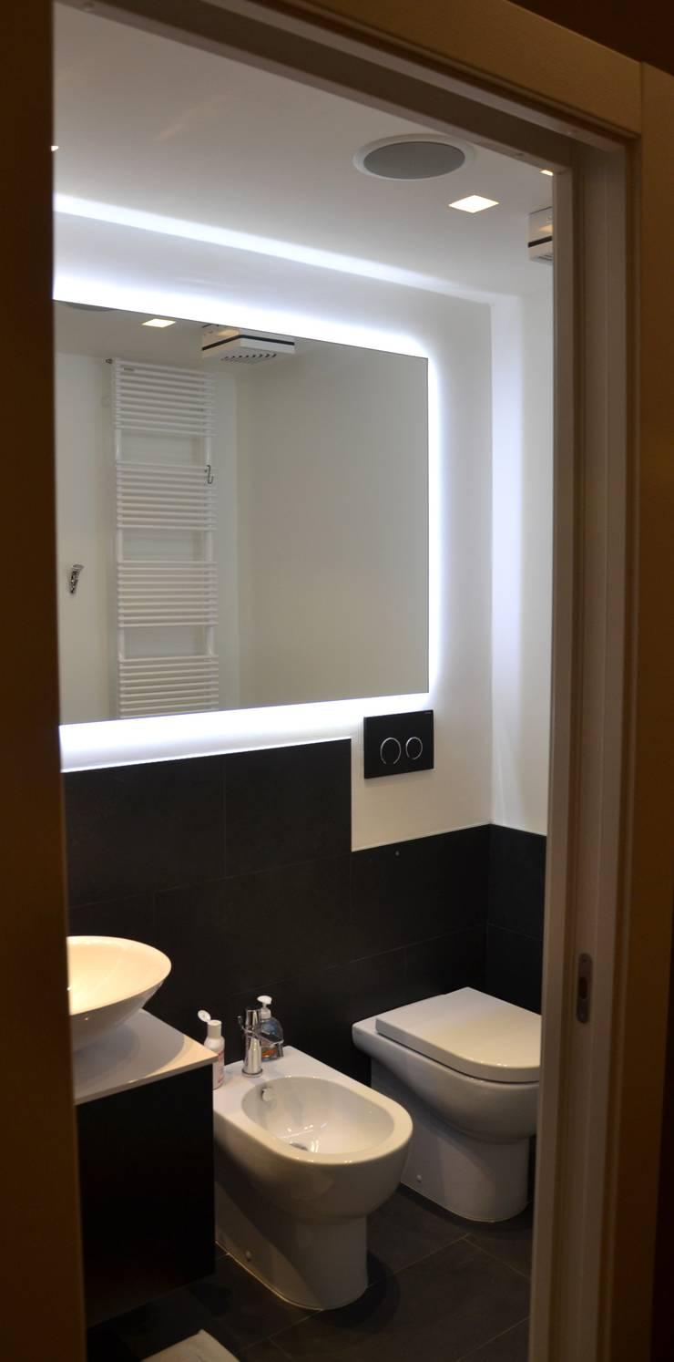 appartamento a+m:  in stile  di Gian Carlo Sottoriva Architetto,