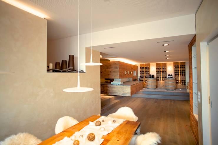 charme einer berghütte | bichwil:  Wohnzimmer von einfall7 GmbH