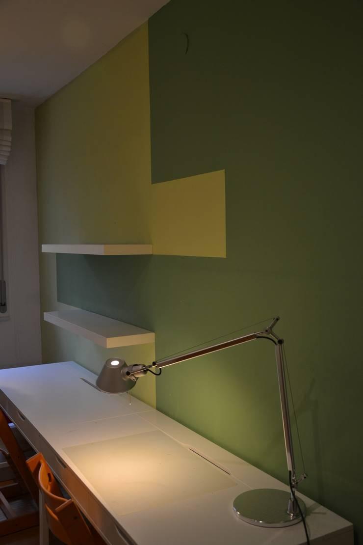 appartamento f+g: Ingresso & Corridoio in stile  di Gian Carlo Sottoriva Architetto, Moderno