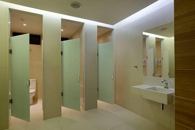 Panamera Bistrô – Banheiros Públicos: Espaços gastronômicos  por DG Arquitetura + Design