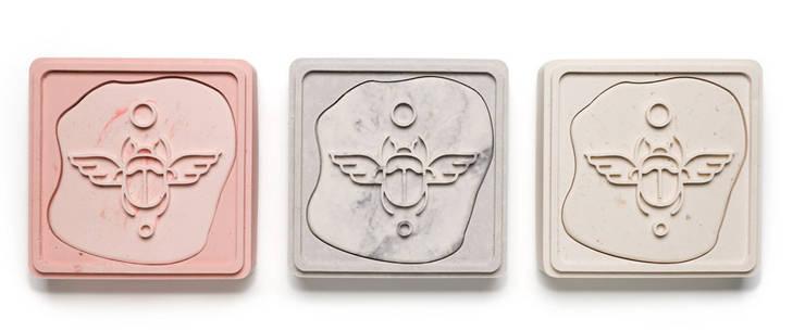 """<q class=""""-first"""">Boxes of Pleasure</q>:  Woonkamer door Nik Baeyens Design Studio"""
