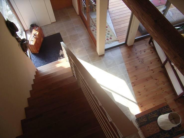 階段: SIN・DESIGN・ROOMが手掛けた家です。