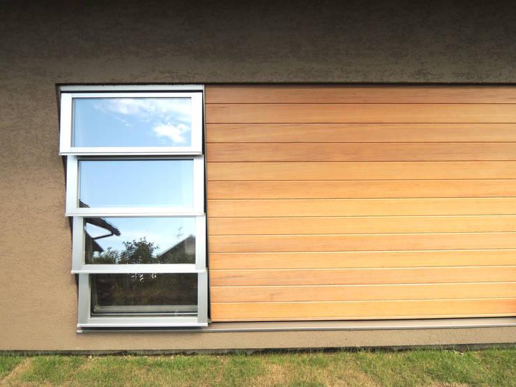 外部板張り: SIN・DESIGN・ROOMが手掛けた家です。