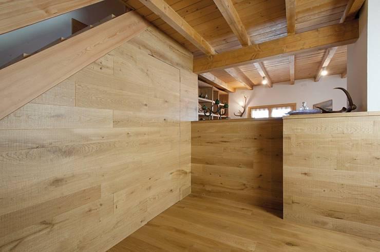 Casas de estilo  por Parchettificio Garbelotto Srl -  Master Floor Srl