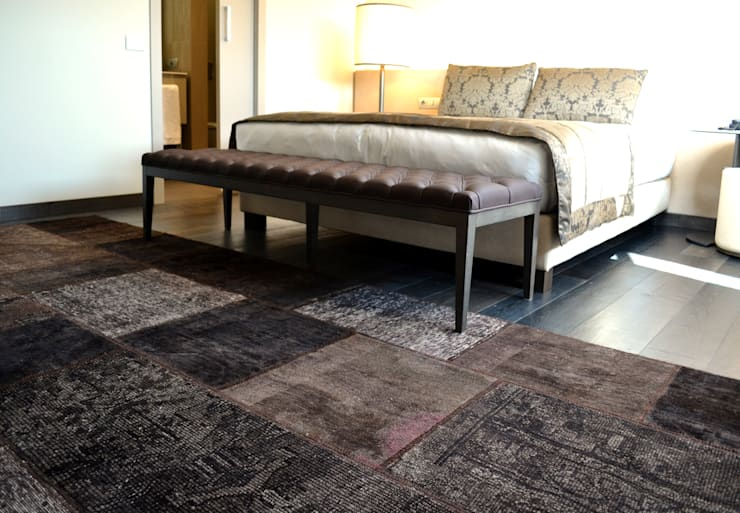 VINTAGE KARMA 6014: Casa in stile  di sartori-rugs