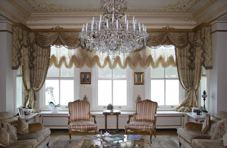 Öztek Mimarlık Restorasyon İnşaat Mühendislik – Rumelihisarı Yalı Restorasyonu:  tarz Oturma Odası