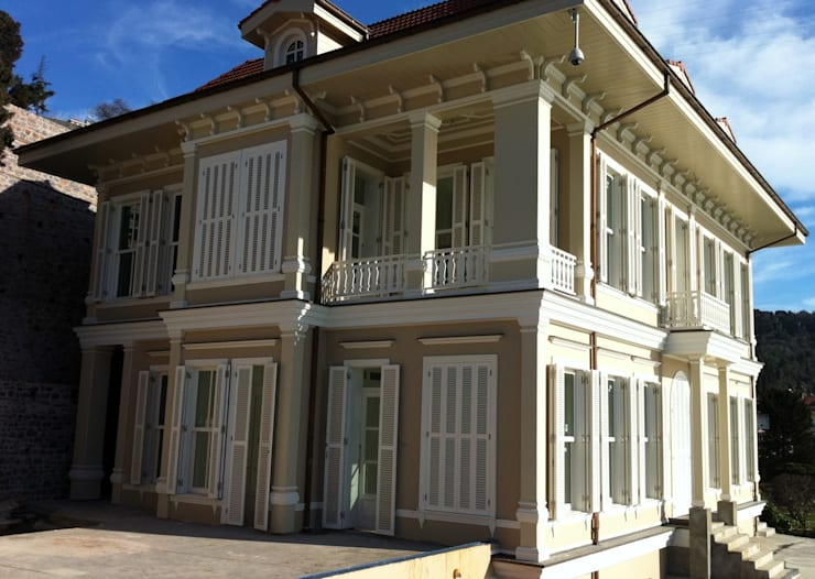 Maisons de style  par Öztek Mimarlık Restorasyon İnşaat Mühendislik