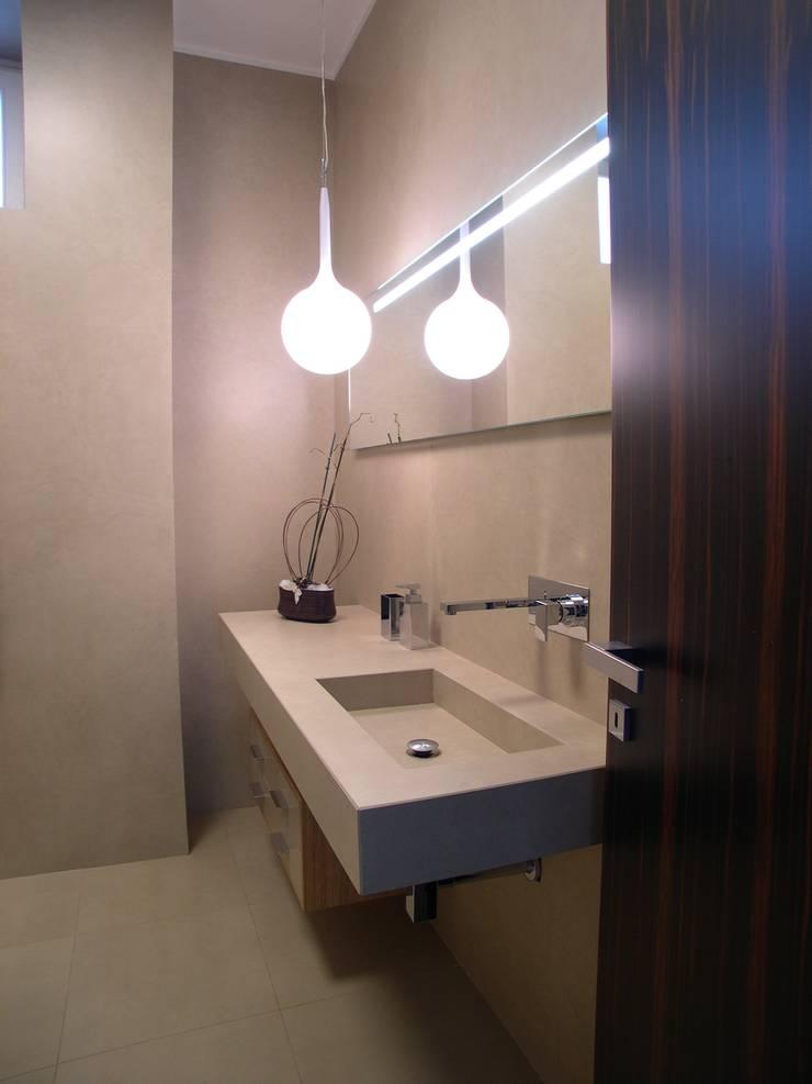Baños de estilo  por Alfonso D'errico Architetto, Moderno
