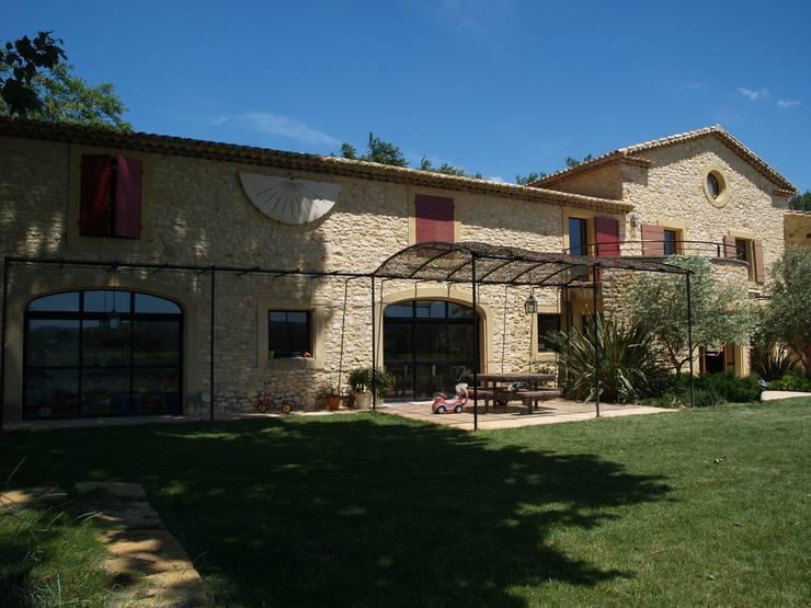 RENOVATION D'UN MAS: Maisons de style de stile Rural par JOSE MARCOS ARCHITECTEUR