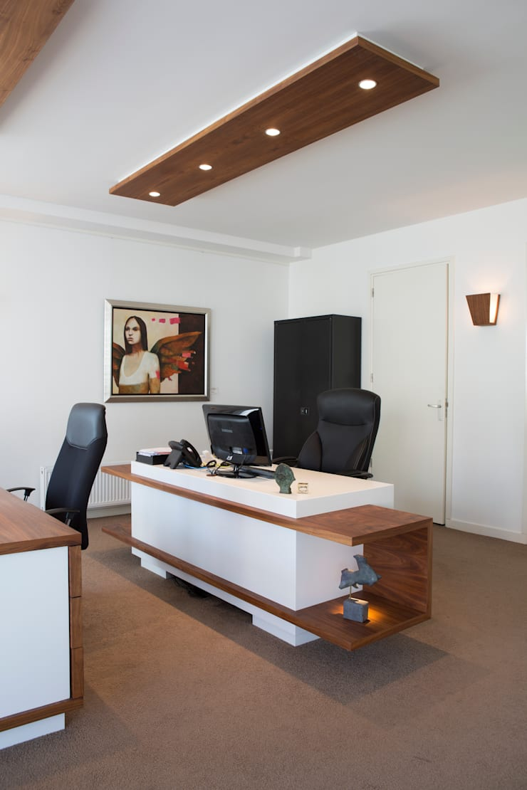 Duin & Pedroli financieel adviseurs:  Kantoor- & winkelruimten door Jan Gunneweg
