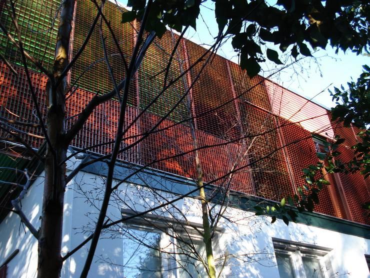 Gelaagde gevel:   door TenBrasWestinga ARCHITECTUUR / INTERIEUR en STEDENBOUW