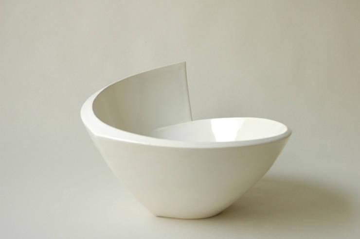 In & Out Bowls:  Eetkamer door Winter Ceramics