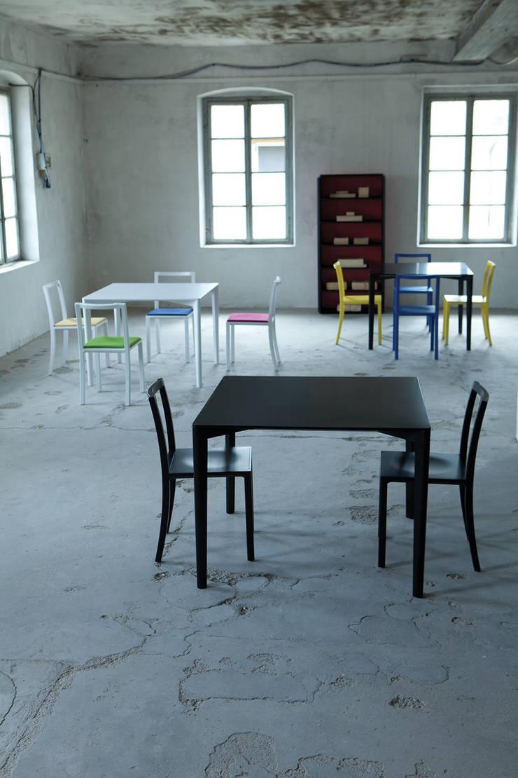 FRAMEWORK TABLE: Sala da pranzo in stile  di l'abbate