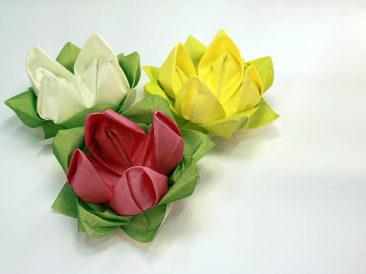 Origamiserviette Seerosen:  Esszimmer von moij design