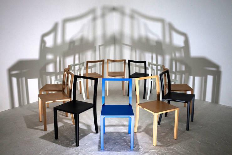 FRAMEWORK CHAIR: Sala da pranzo in stile  di l'abbate