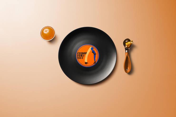 Longplate – Porcelane plate 21 cm: Cucina in stile  di Mamado srl