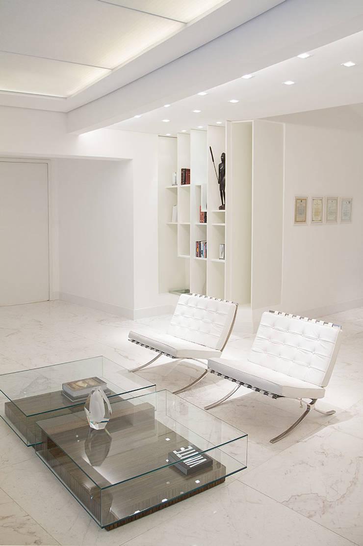 de estilo  por FCM Arquitetura, Moderno