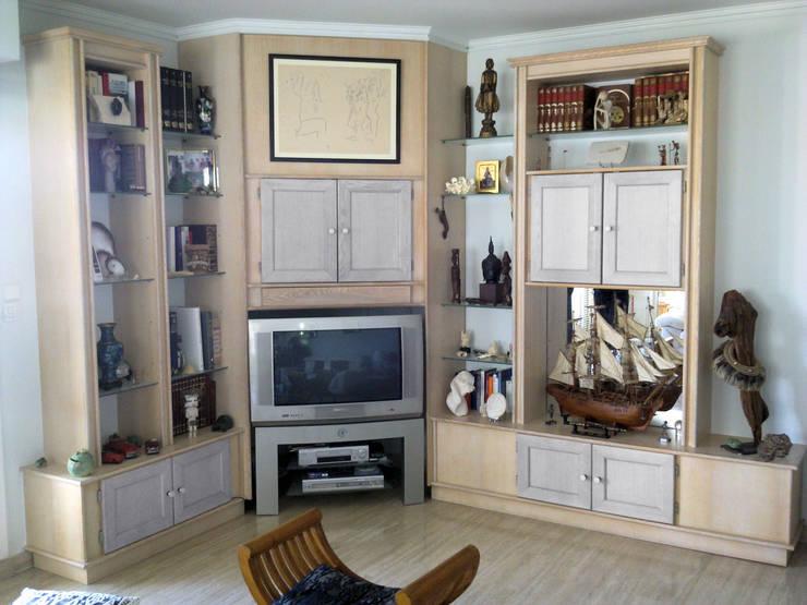 meubles : Maison de style  par Menuiserie Ebénisterie Prunck