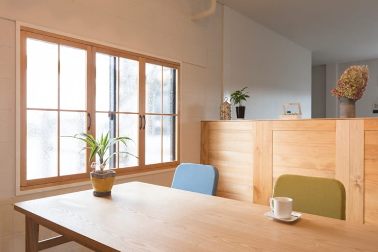 Konan office: ALTS DESIGN OFFICEが手掛けた書斎です。,